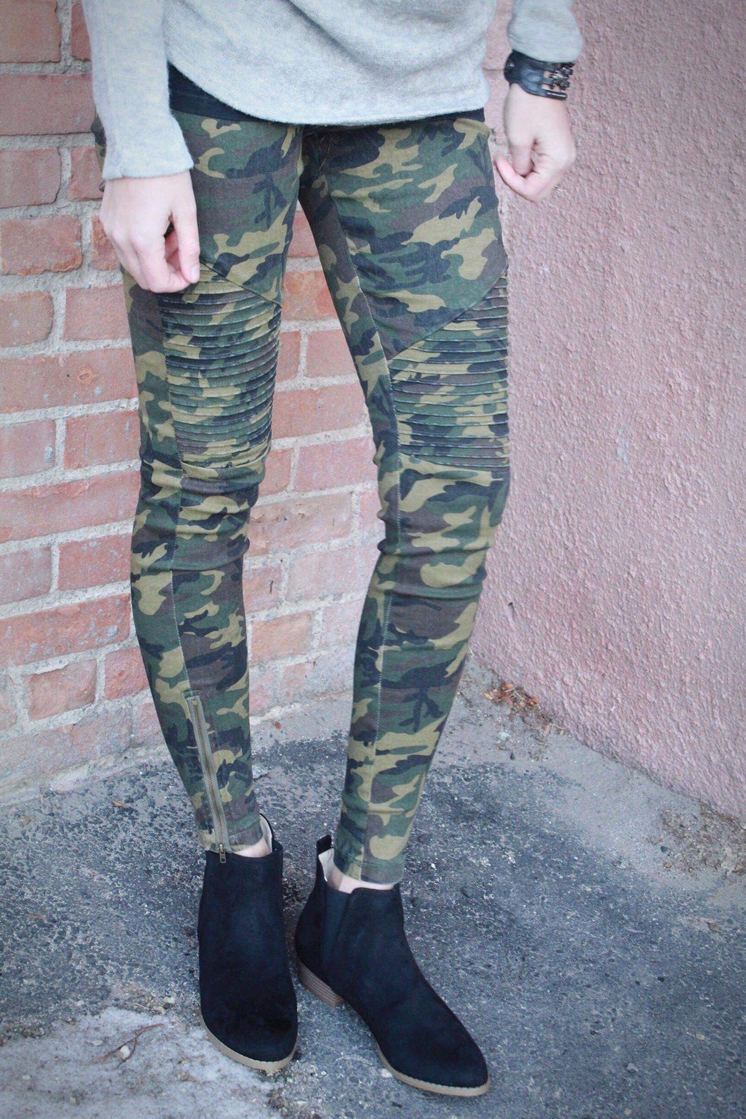Can you see me? Camo Pants