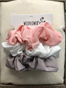 Comes Around Scrunchie Set