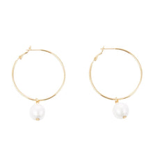 Load image into Gallery viewer, Hoop Textured Pearl Earring