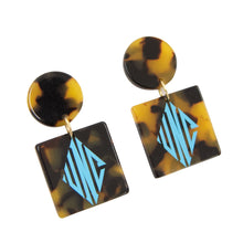 Load image into Gallery viewer, Monogrammed view of our Tortoise Circle Square Earrings