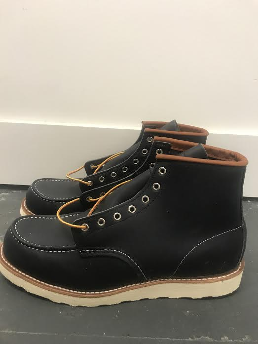 Red Wing - Black Boot