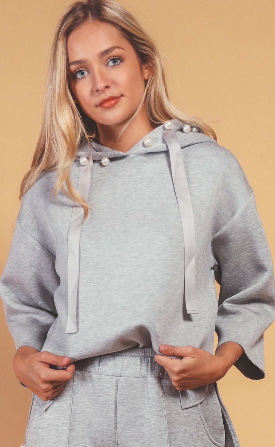 Poppy Pearl Hoodie in Heather Grey