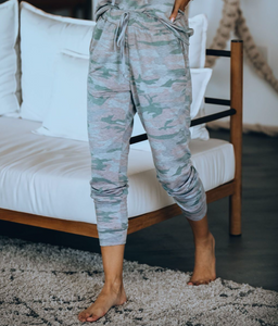 Camryn Camo Joggers in Light Pink/Grey