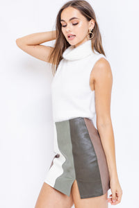 Francine Sleeveless Fuzzy Sweater in White