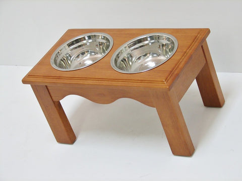 Crown Pet CPP-Diner-M-CH Pet Diner Medium Chestnut Finish