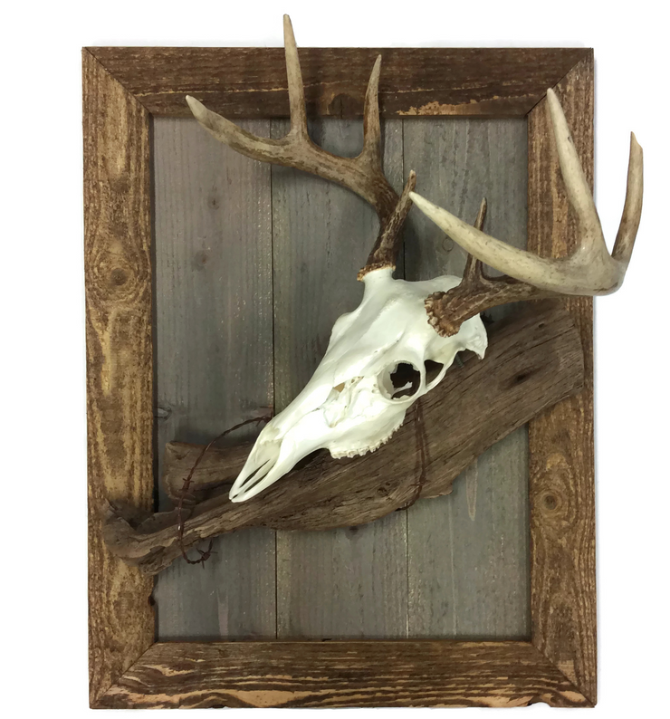 Golden Oak Rustic European Mount Plaque