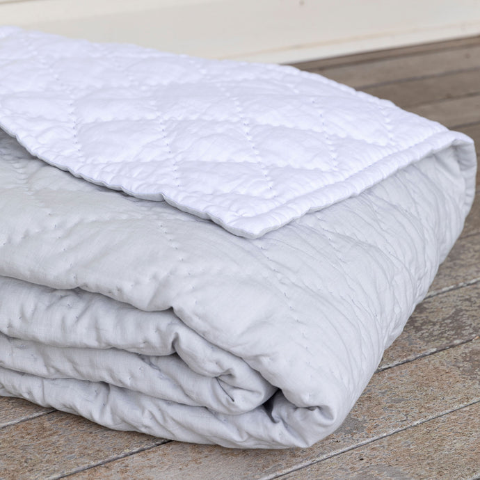 Diamond Linen Quilt - Grey & White
