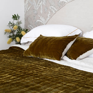 Allure Silk Velvet & Linen Quilt - Antique Gold