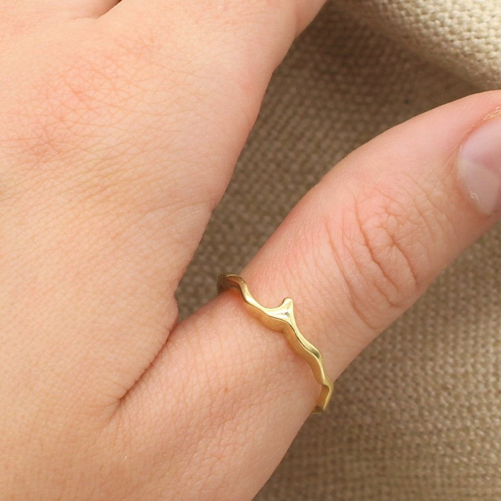 Island Bound Wave 9ct Gold Ring