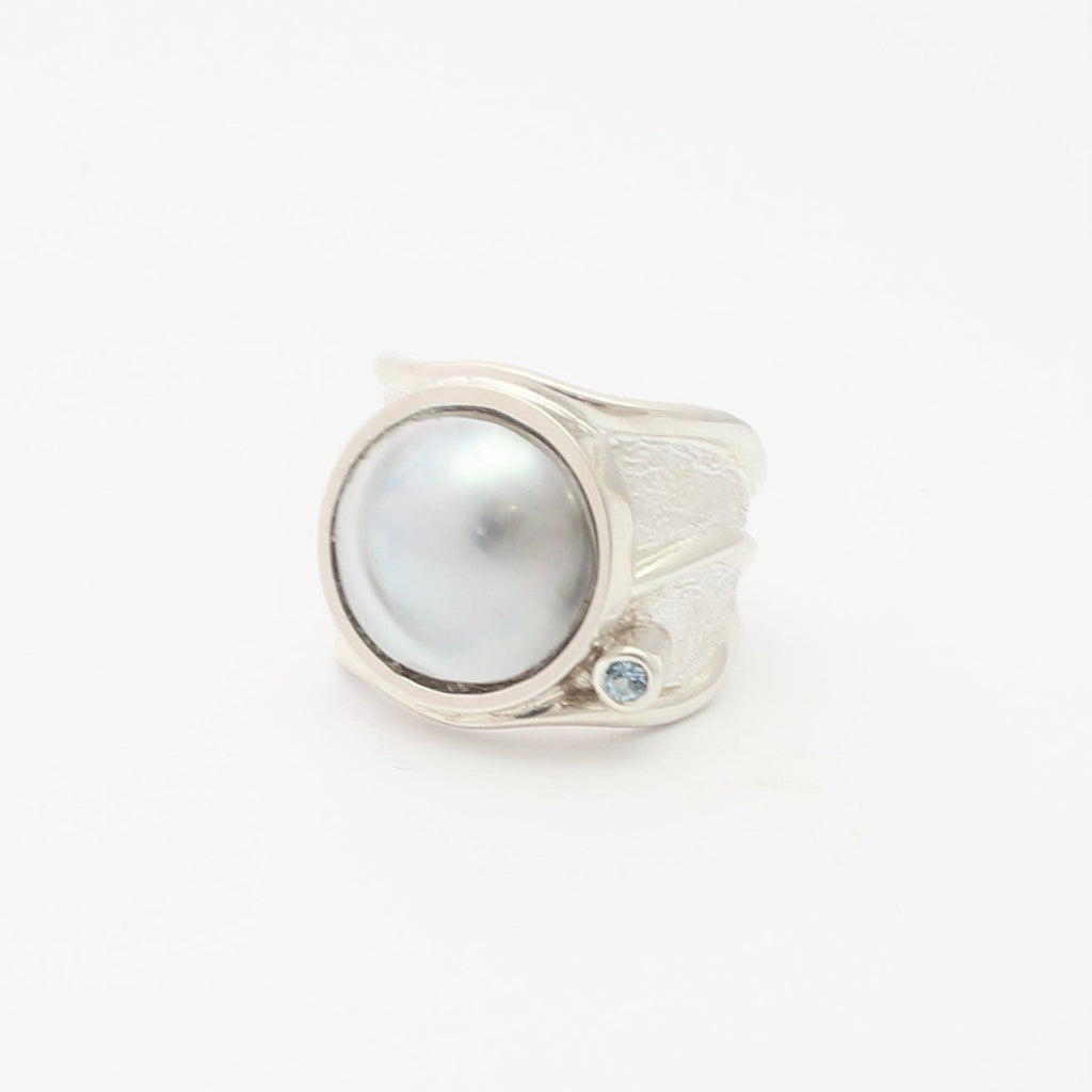 Solid Lexi Ring with Aquamarine