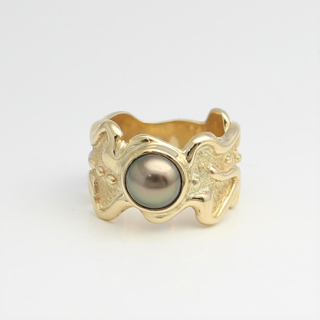 Yellow Gold Abrolhos Island Pearl Lava Ring