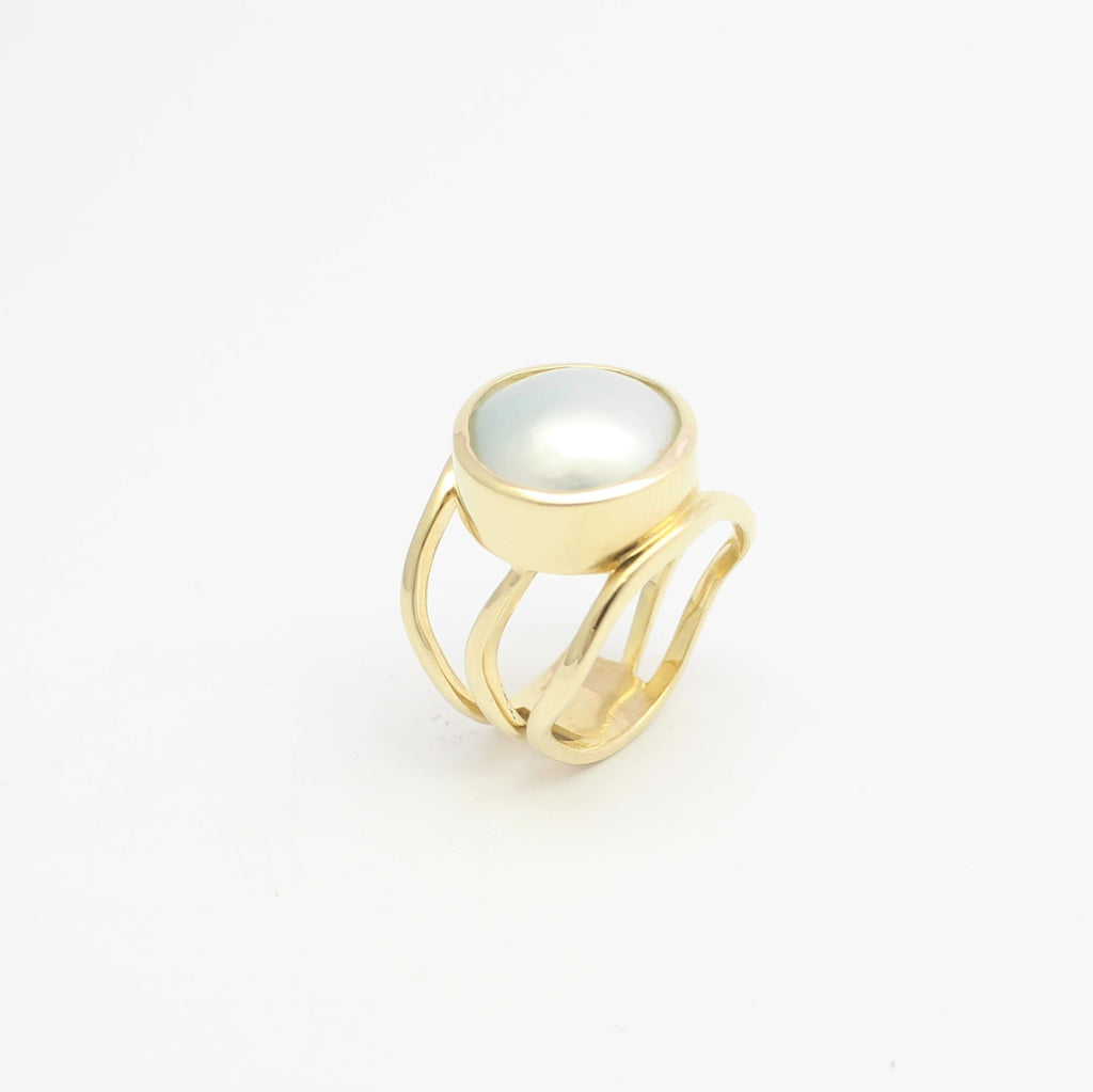 Yellow Gold Open Lexi Ring