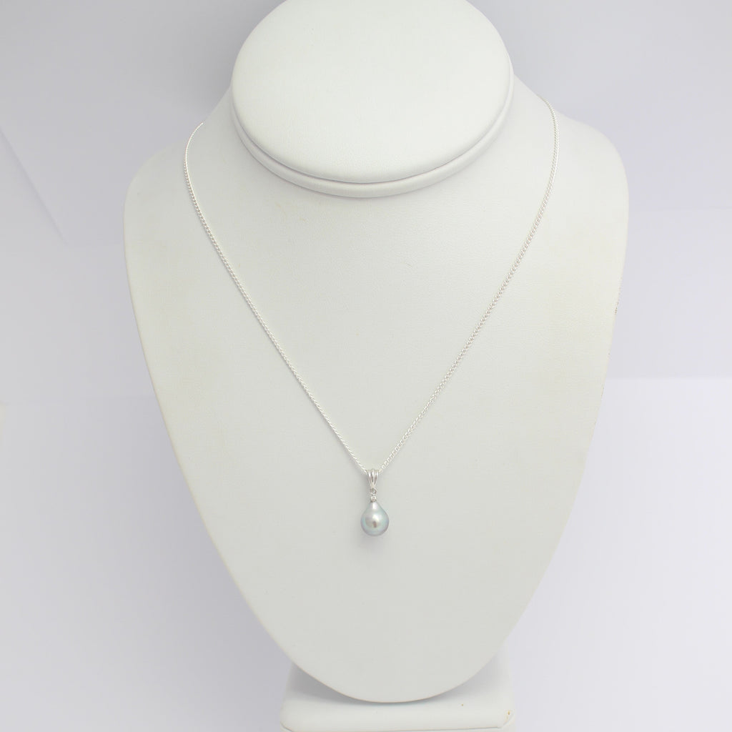 Abrolhos Island Pearl on Diamond Pendant