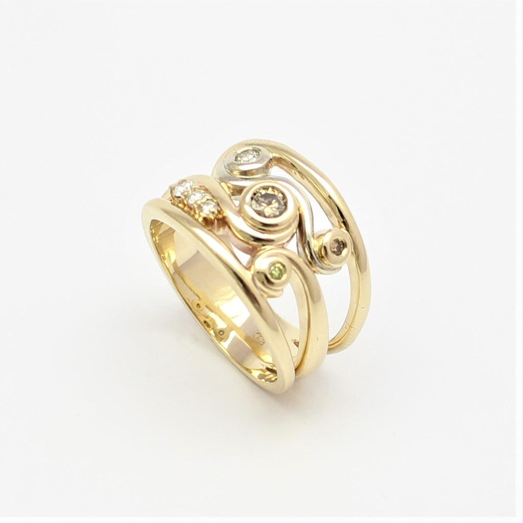Latitude Swirl Yellow Gold and Champagne