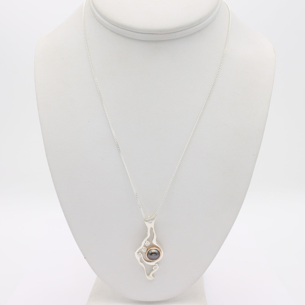 Island Bound Lagoon Silver Pendant with Diamonds and Abrolhos Pearl