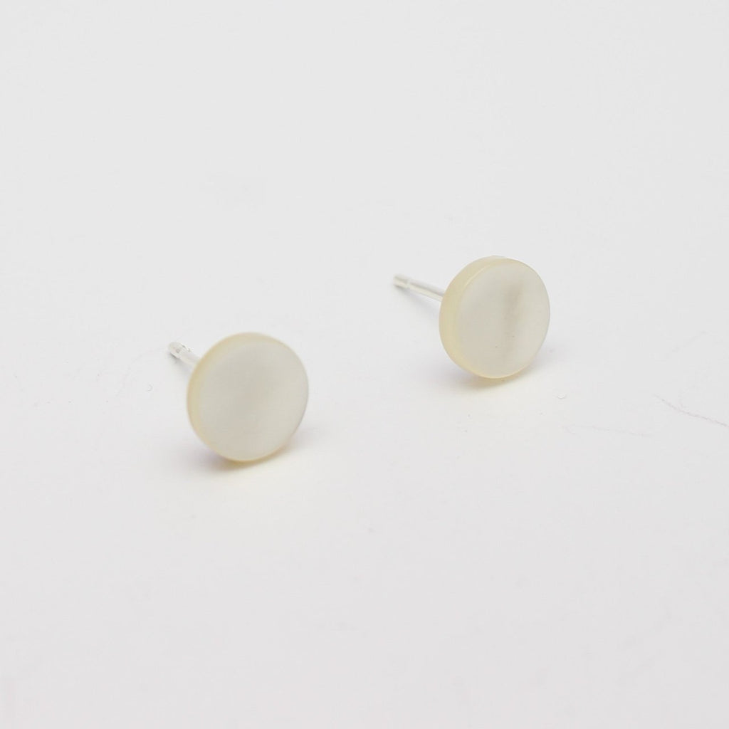 8mm Abrolhos Shell Disc Studs