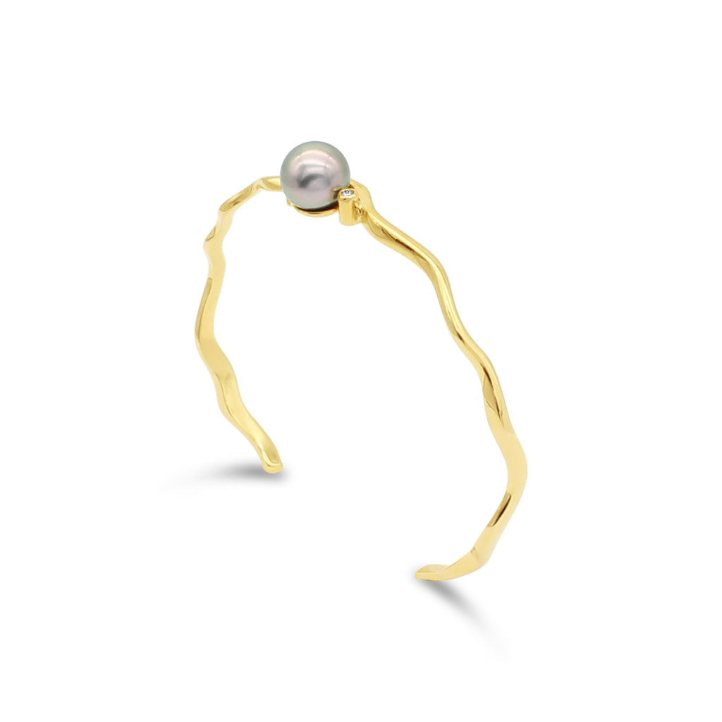 Island Bound Wave Cuff with Abrohos Pearl and Diamond