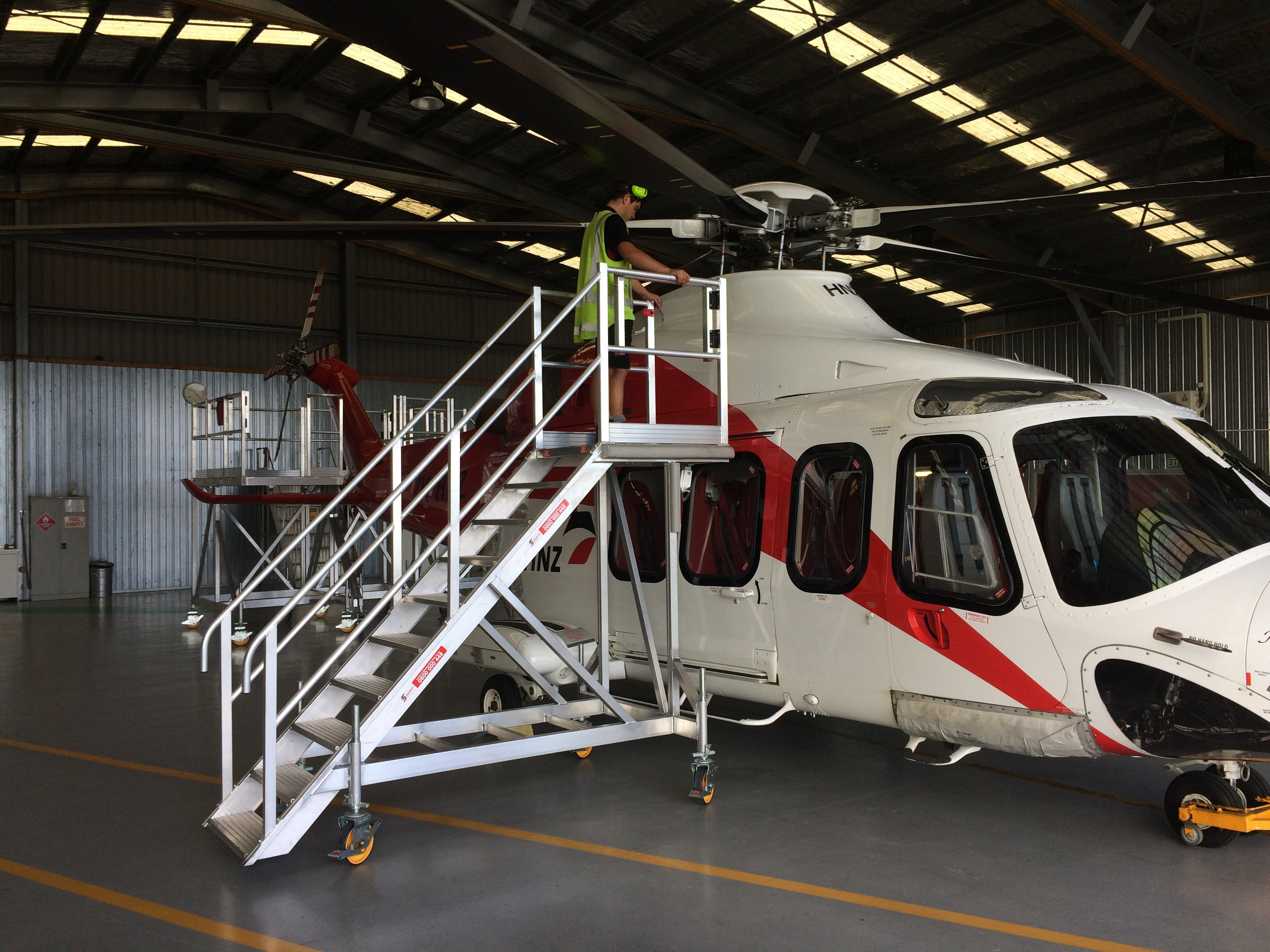 Helicopter maintenance workstand AW139