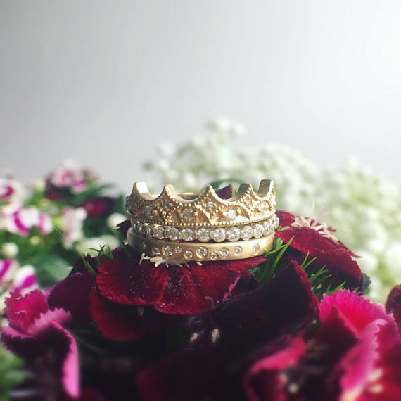 CROWNED RING