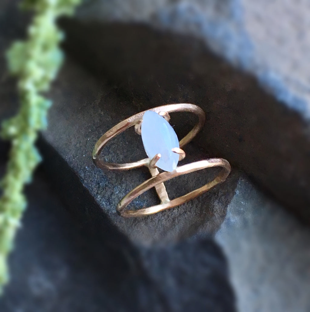 LUNA MOONSTONE RING