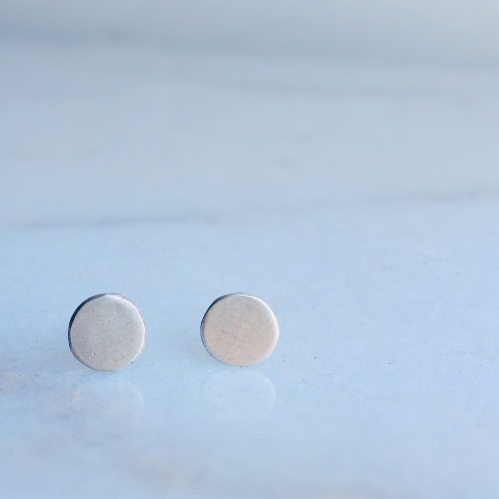 CIRCLE STUDS- 6MM OR 4MM