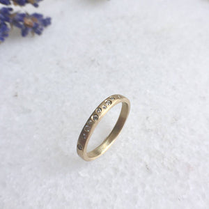 SPRINKLED DIAMOND BAND