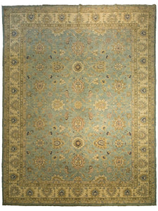 "Sultanabad Rug - Ivory Field <br> 8' 11"" x 12' 6"""