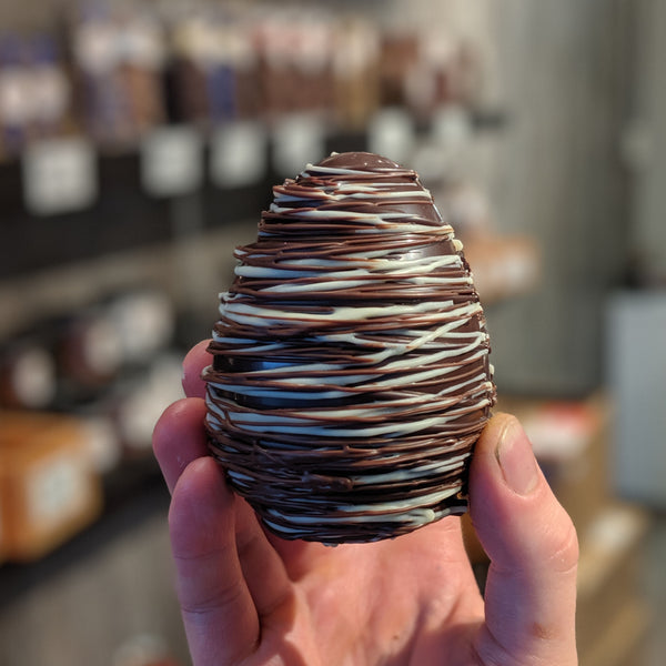 Weave Egg Filled With Salted Caramels