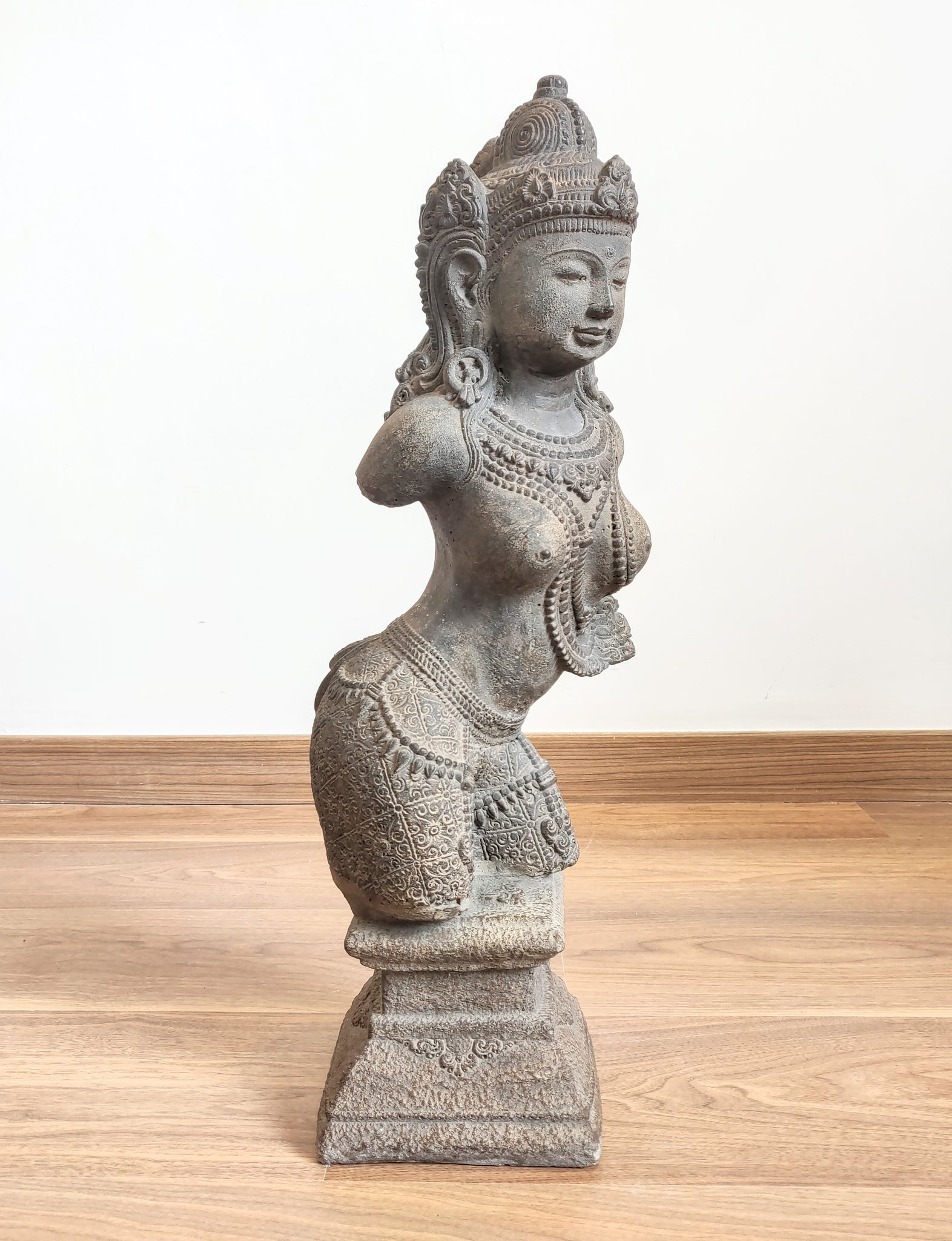 Home Decor: Table - Outdoor Statue  Large Stone Sculpture of