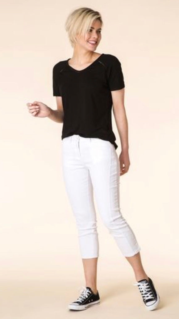White Crop Jeans by Yest