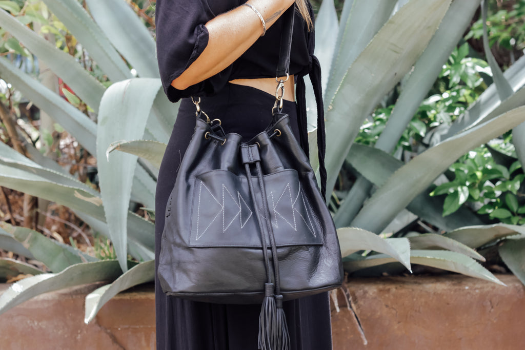 Nomad Arrow Bag - Black