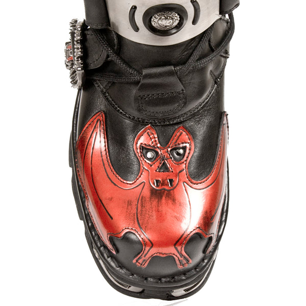 M-195-S1 New Rock Red Bat and Flames with skull buckles