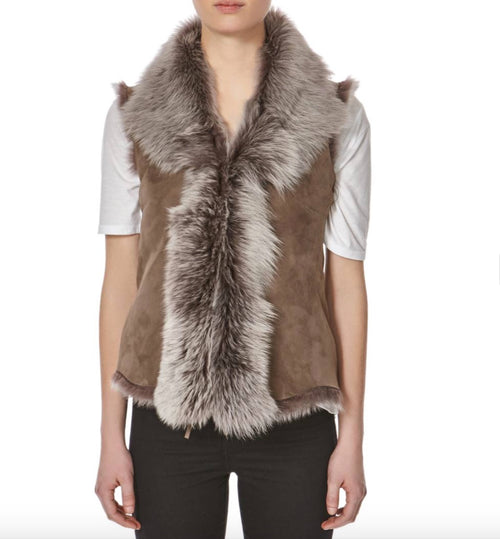 Womens luxury waterfall style toscana sleeveless body warmer winter short gilets. Available in Suede and Nappa leather finishing.