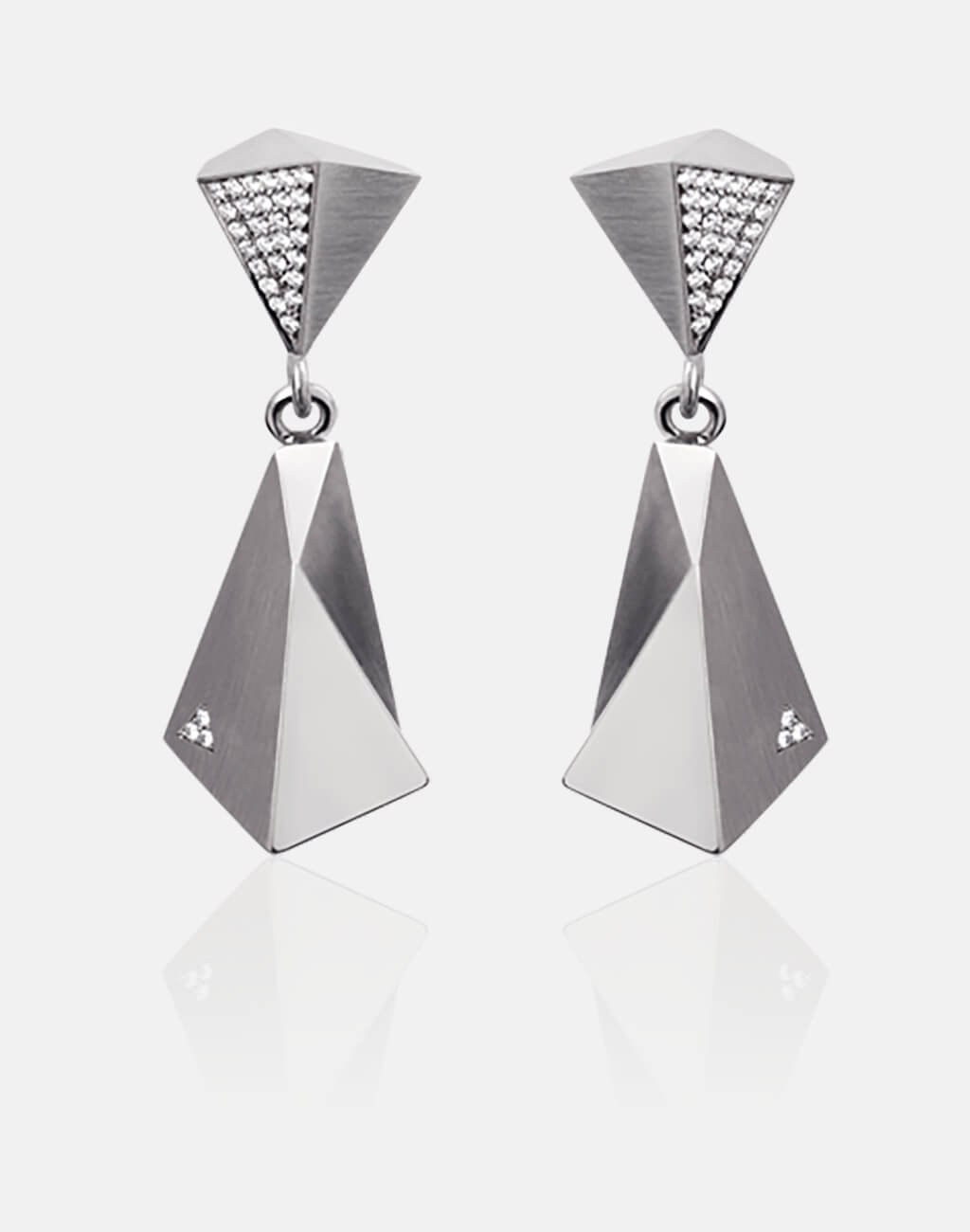 Stealth | Ohrringe, Ohrhänger - 750 Weissgold, 60 Diamanten-Brillanten | earrings - 18kt white gold, 60 diamonds | SYNO-Schmuck.com