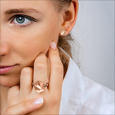 Tectone | Ohrringe, Ohrstecker - 750 Roségold am Model | ear-studs, earrings - 18kt rose gold | SYNO-Schmuck.com