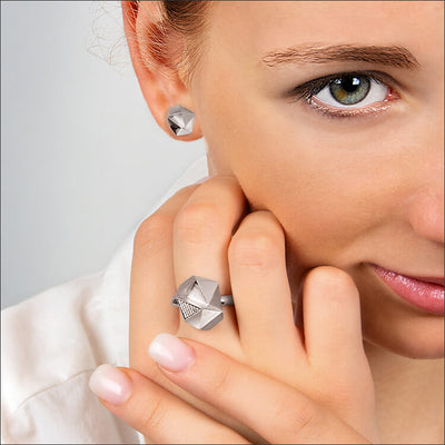 Tectone | Ohrringe, Ohrstecker - 750 Weissgold am Model | ear-studs, earrings - 18kt white gold | SYNO-Schmuck.com