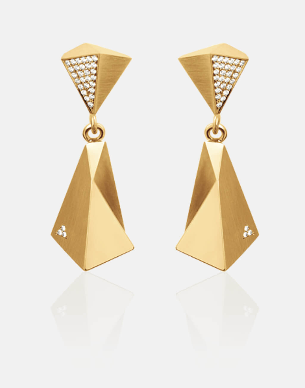 Stealth | Ohrringe, Ohrhänger 750/- Gelbgold, 60 Brillanten, Diamanten | earrings 18kt yellow gold, diamonds | SYNO-Schmuck.com