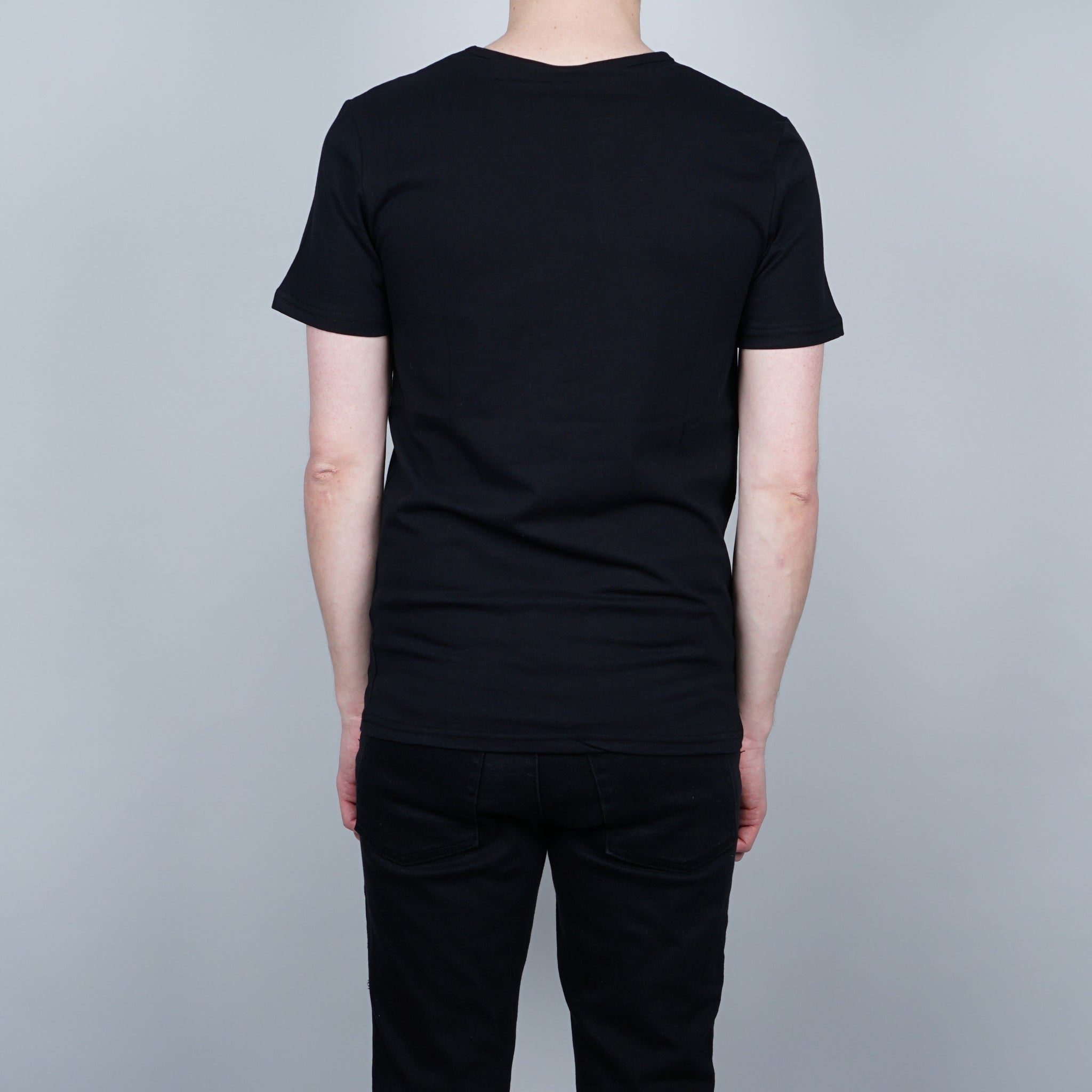 Greater than A Curve T-shirt - Black