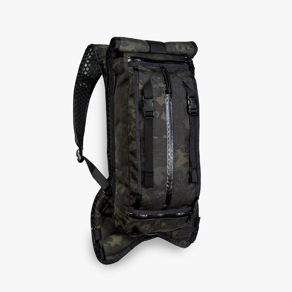 Mission Workshop Hauser Drinking Backpack - Black Camo