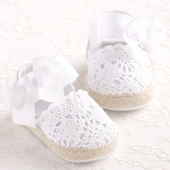 Knitted Shoes w/ Big Bow