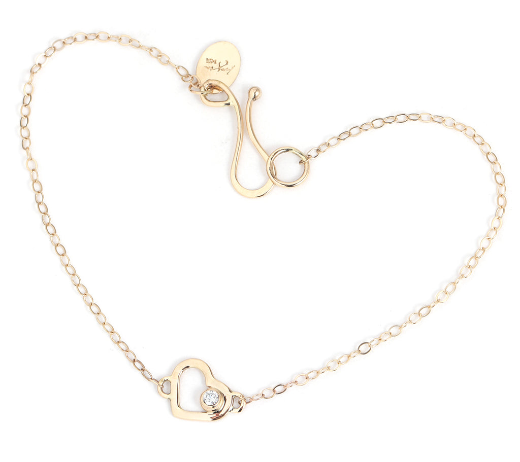 Gold Heart Chain Bracelet with White Diamond