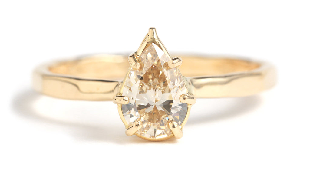 Basket Set Pale Yellow Diamond Ring