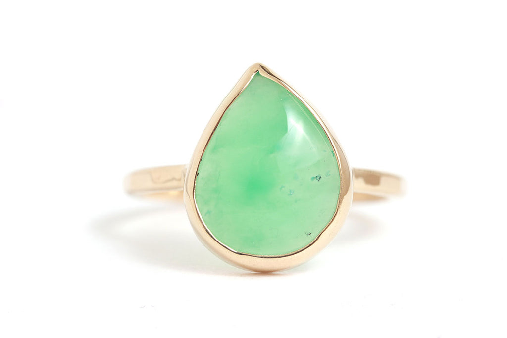 Pear sheaped Gem Chrysoprase Cabochon Ring