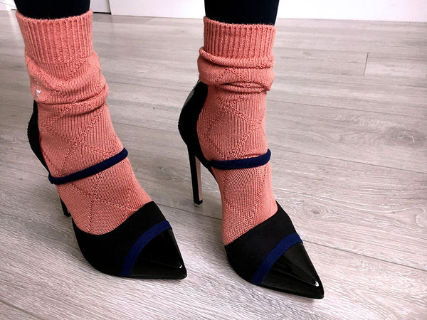 black pump, with orange socks, cool vegan pumps by Ivana Basilotta
