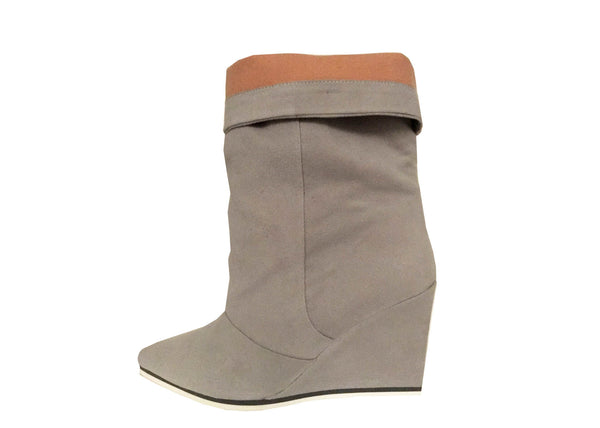 grey vegan boots, luxury cruelty free shoes by Ivana Basilotta for No One's Skin