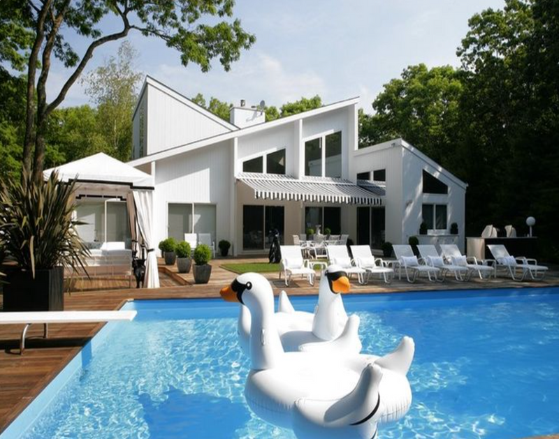 Swanning Around the Hamptons Has a New Meaning