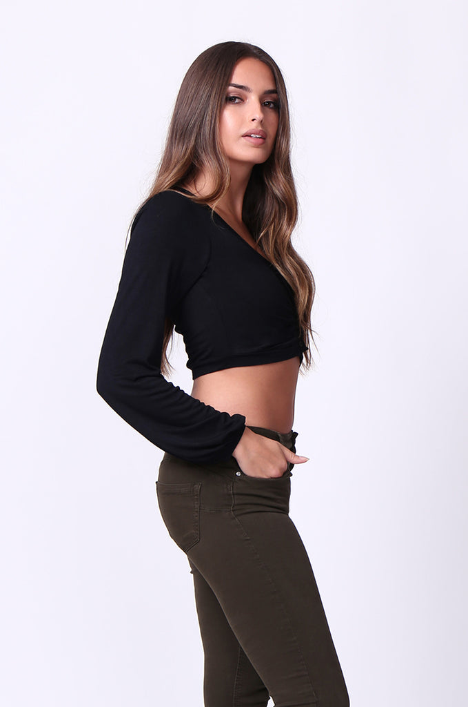SP0109-BLACK V-NECK ROUCHED LONG SLEEVE CROP TOP view 2
