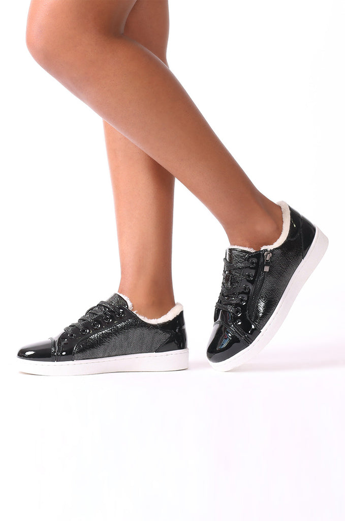 SMJ0037-BLACK FUR LINED METALLIC TRAINER