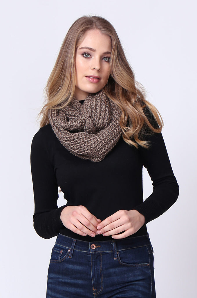 SMC0090-BROWN CHUNKY KNIT SCARF