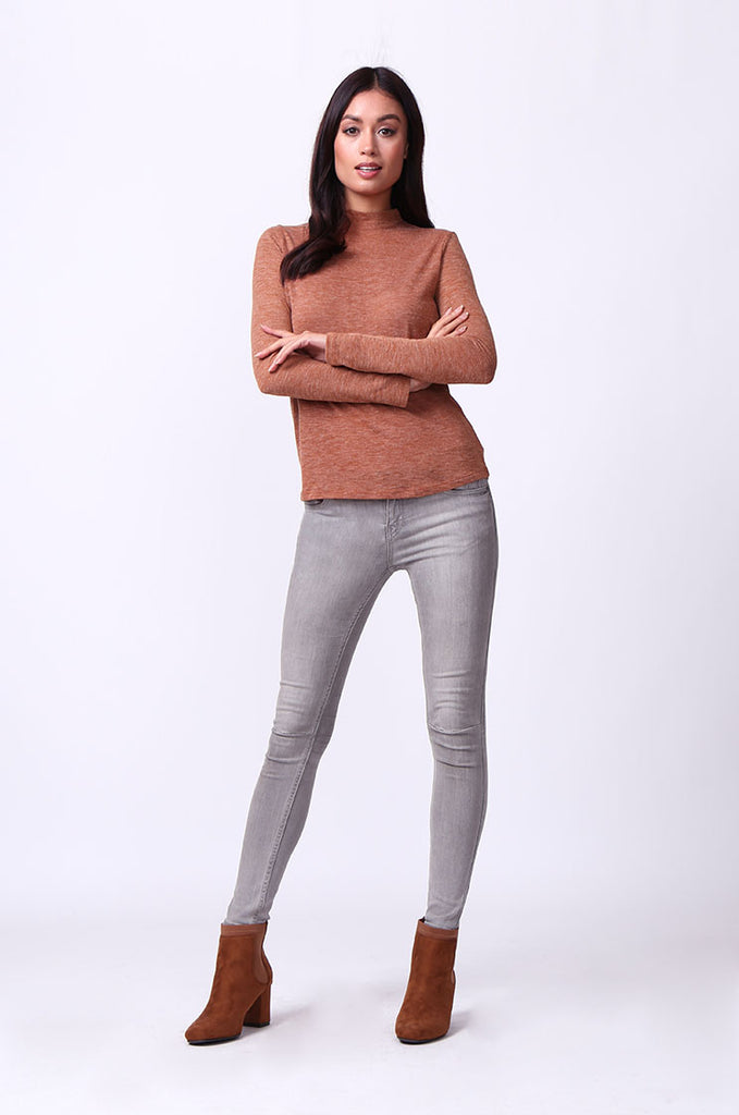 SA0053-TAN LONG SLEEVE ZIP MOCK NECK TOP view 4